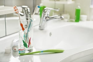 Tips on choosing the correct toothbrush and toothpaste